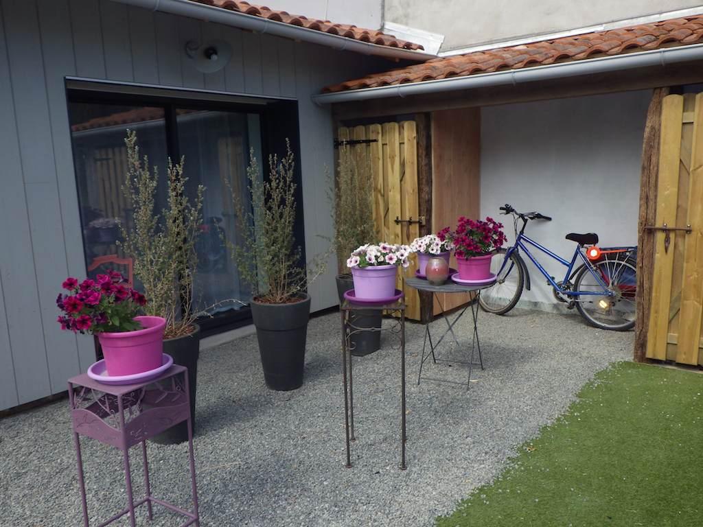 Gite proche nantes basse goulaine - Terrasse et jardin fleuri paris ...